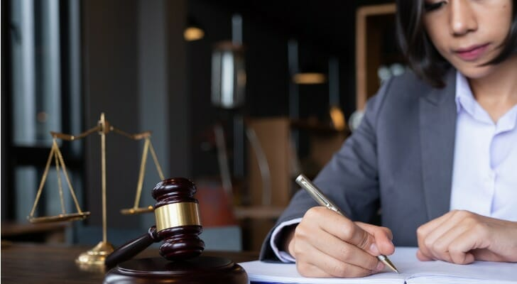 How to Find the Best Property Lawyer to Hire in Spain
