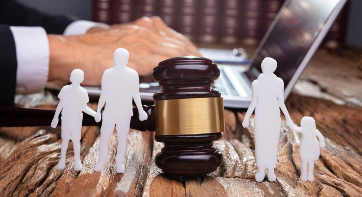 Choose best family lawyer for divorce